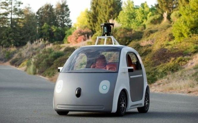 16. Автомобили без водителя отGoogle (2012)
