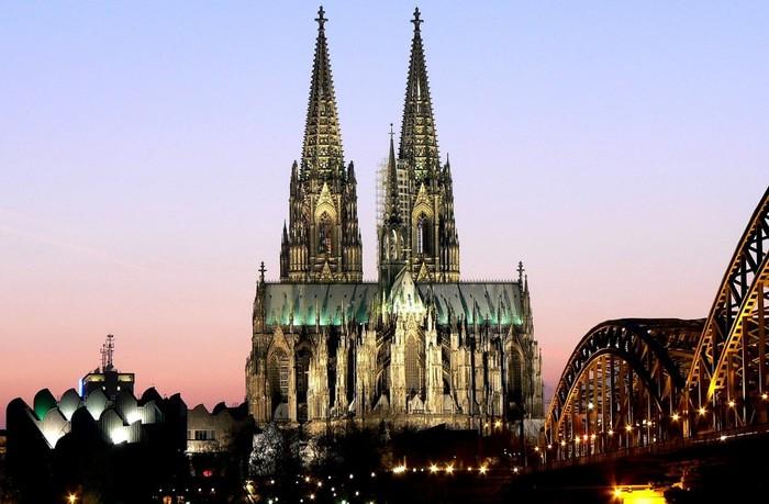 Достопримечательности Германии фото Кельнский собор